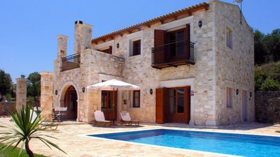 Photo for Stone villa with pool just 11 km from Rethymno