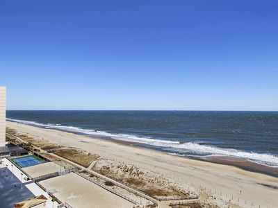 Photo for FREE DAILY ACTIVITIES! LINENS INCLUDED*!  Open living area with fabulous ocean views