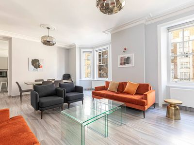 Photo for Stylish 3-bed flat near Mayfair and Edgware Road