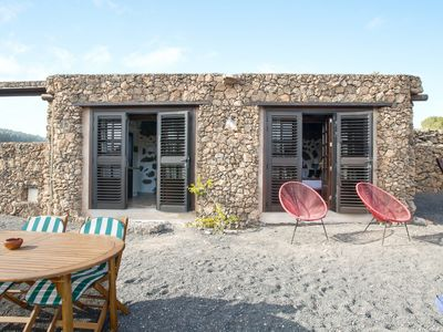 Photo for Rural Stone Cottage Estudio Pu with Volcano View, Garden & Wi-Fi; Parking Available