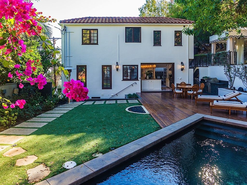 Celebrity custom holiday villa in the hills of west hollywood
