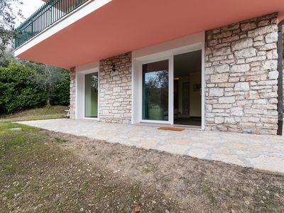 Photo for Apartment in 2 steps from Garda and Lake