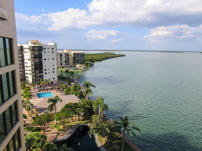 Photo for 2B/2B Harbour Pointe Resort Condominium 1014S On The Bay, Watch the Boats Go By, Fishing Dock, Walk to Beach