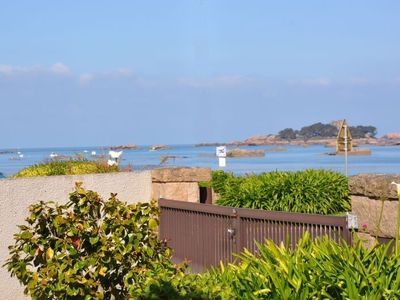 Photo for Apartment sea view with courtyard close TREGASTEL
