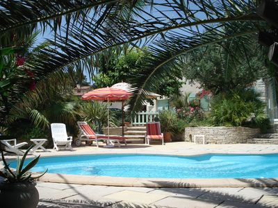 Photo for Provencal villa with pool, near the sea, 8 people, 3 bedrooms