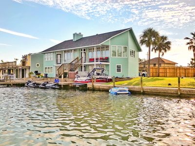 Astounding Waterfront Home On Little Bay Green Night Fishing Lights And Best Sunsets Key Allegro Interior Design Ideas Ghosoteloinfo