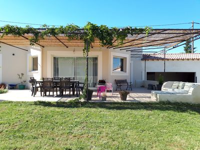 Photo for 140 m² family house in Tavel - 10min from Avignon