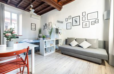 Photo for Roma Heart apartment in Centro Storico with WiFi & air conditioning.