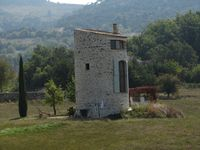 A wonderful rural mill in the heart of stunning Provence countryside. We loved our stay here.
