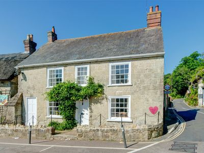Photo for 4 bedroom Cottage in Godshill - IC034