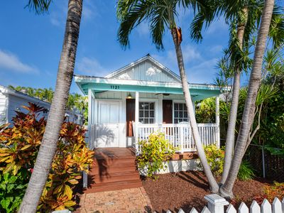 "Photo for ""HEMINGWAY'S HIDEOUT"" ~ Sophisticated, Historic Old Town Cottage with Pool!"