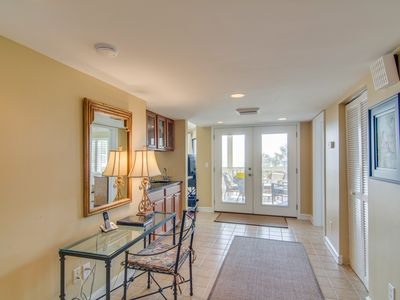Photo for Professionally-decorated villa w/beautiful ocean views and shared pool & grill