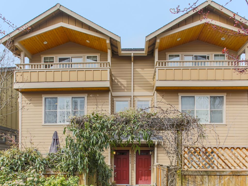 3-Story Seattle Townhome