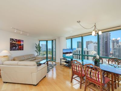 Photo for Luxurious High floor Waikiki Landmark Condo, Ocean & Diamond Head views!