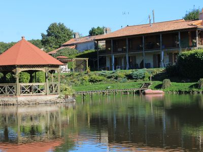 Photo for Luxury accommodation with heated pool and fishing lake