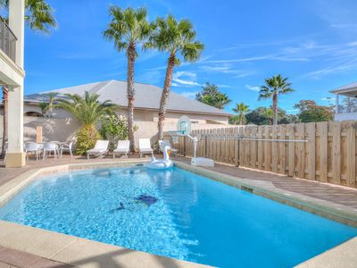 4-Floor Stunner w Private Pool ☀️ Walk to Beach
