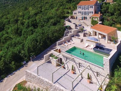 Photo for Beautiful Villa Veli Vrh, in Dalmatia