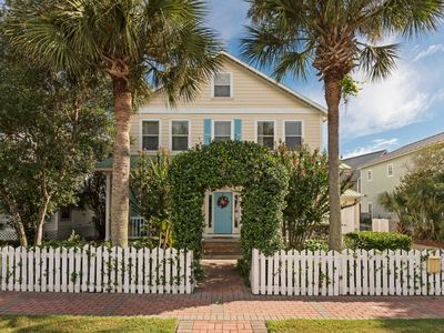 Photo for HUGE DESTIN HOME w/ PRIVATE POOL, Safe, Easy 2 min walk to our gorgeous beach!