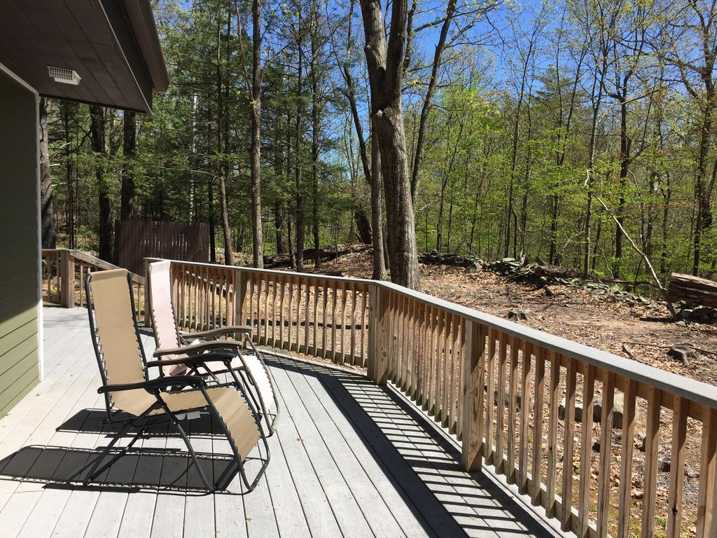 vrbo cabins rentals secluded on bdcc acre eclectic cabin romantic ny