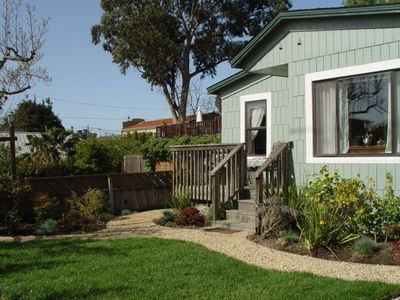 The Cottage- Fully equipped 1 bdrm house,  2 blks to awesome beach