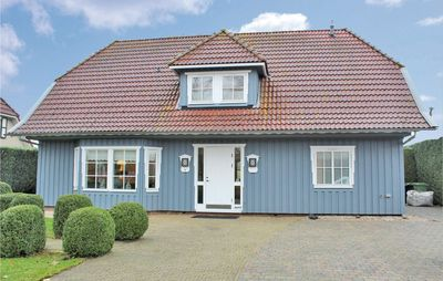 Photo for 4 bedroom accommodation in Dronten/Ketelhaven