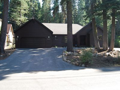 Photo for Comfortable 1 story 3BR Tahoe Donner home, sleeps 7, hot tub, large sunny deck