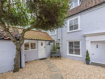 Photo for Lovely little characterful self-catering cottage is centrally located