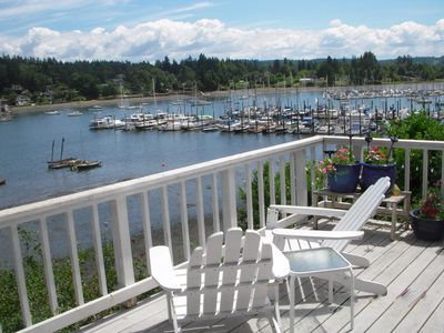 Quartermaster Yacht Club is exclusively sailcraft, just off the deck