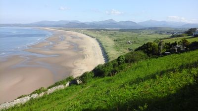 Harlech sands, 11 am on the hottest day so far this year. A safe, quiet beach.