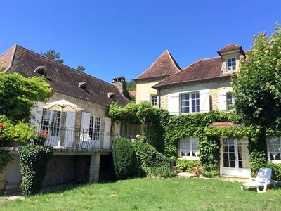 Photo for Fantastic holiday home with private pool and wonderful views of the Dordogne