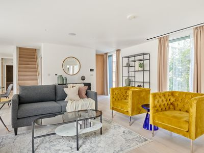 Photo for Sonder | Southwark Residence | Sunny 3BR + Balcony