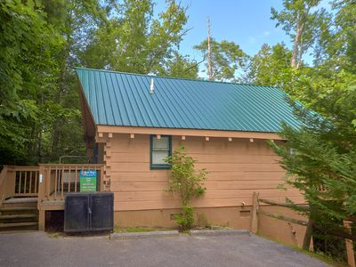 Photo for 1 Bedroom Cabin Close to Downtown Gatlinburg, National Park and Arts & Crafts