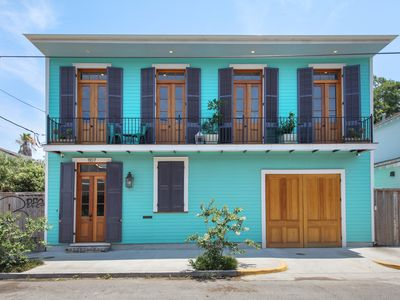Sophisticated Marigny Triangle Open Concept Home with Balcony
