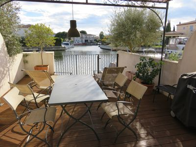 Photo for Superb sunny Marina in peace with large terrace at the edge of the water