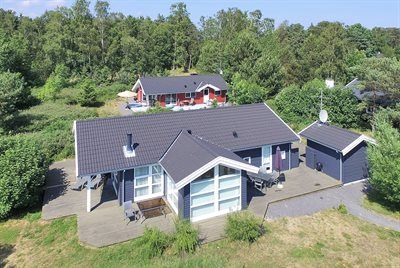 Photo for 4 bedroom accommodation in Aakirkeby