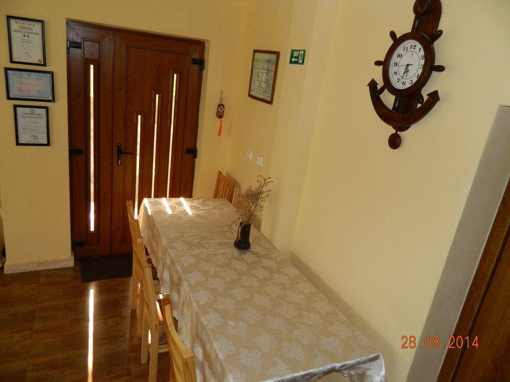 Nice property within easy drives towards must see Romanian attractions