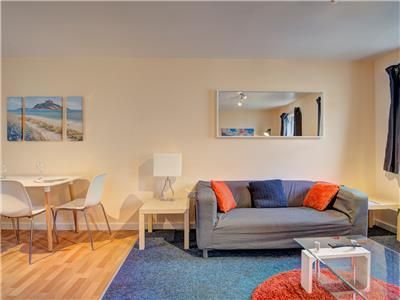 Photo for Family Friendly self contained 4 bedroom apartment; NHS Rates available