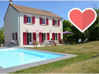 Photo for Modern house with pool 25 minutes from Paris!