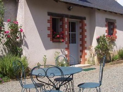 Photo for independent comfortable cottage among the vineyards near Brissac-Quince
