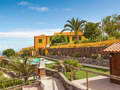 Photo for 2 bedroom Villa, sleeps 4 in La Orotava with Pool and WiFi