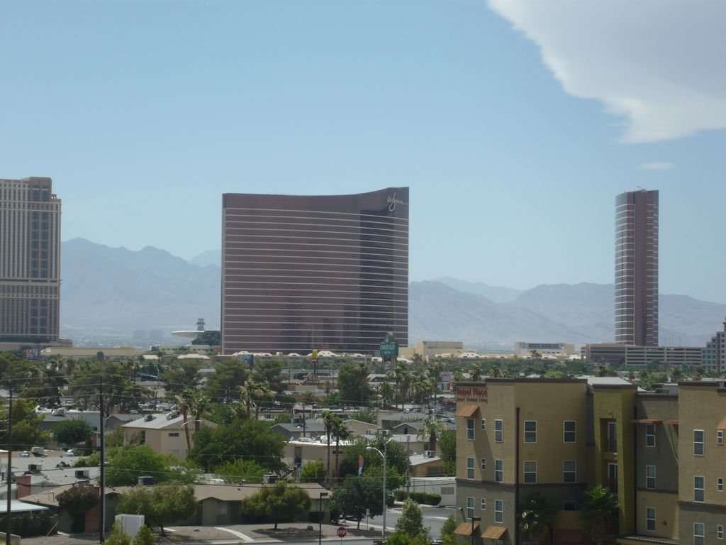 50% off call Enjoy The Panarama virew of strip Casinos, City Lights&.mountain
