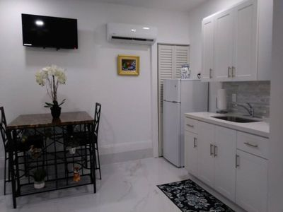 Photo for Studio with kitchen,pool near Zoo Everglades Keys