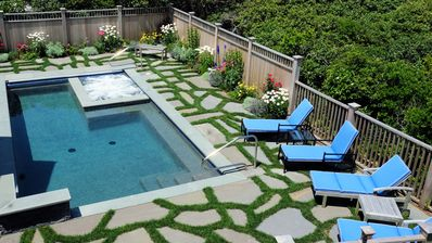 Tom Nevers Bluff, Pool/Spa/AC, Views, 1/2 Block to Ocean, 2-MBRs, Jeep, No Pets