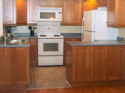 Photo for Spacious 1 Bedroom Suite near Westbay Marina, Victoria, Bc