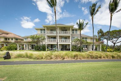 Exterior - Take in sweeping golf course views from the private ground-floor lanai.