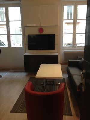 Photo for Sunny, Modern 1BR in the heart of Paris, Le Marais