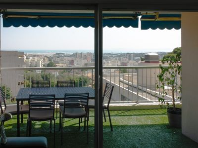 Photo for Quiet luxury apartment, all amenities, sea view, ideal for families