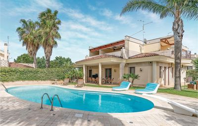 Photo for 4 bedroom accommodation in Casamassima