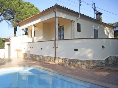 Photo for Villa private pool, free wifi, very quiet location between sea and forest.