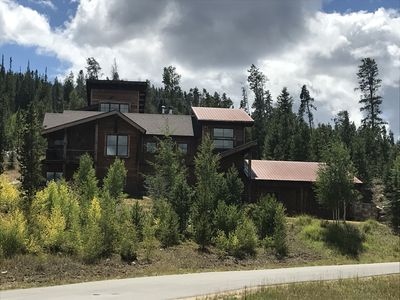 Unique modern mountain home with VIEWS!